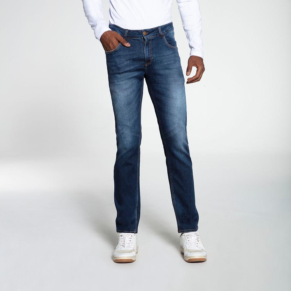 Still_Modelo_look15_601820570_jeans_8489