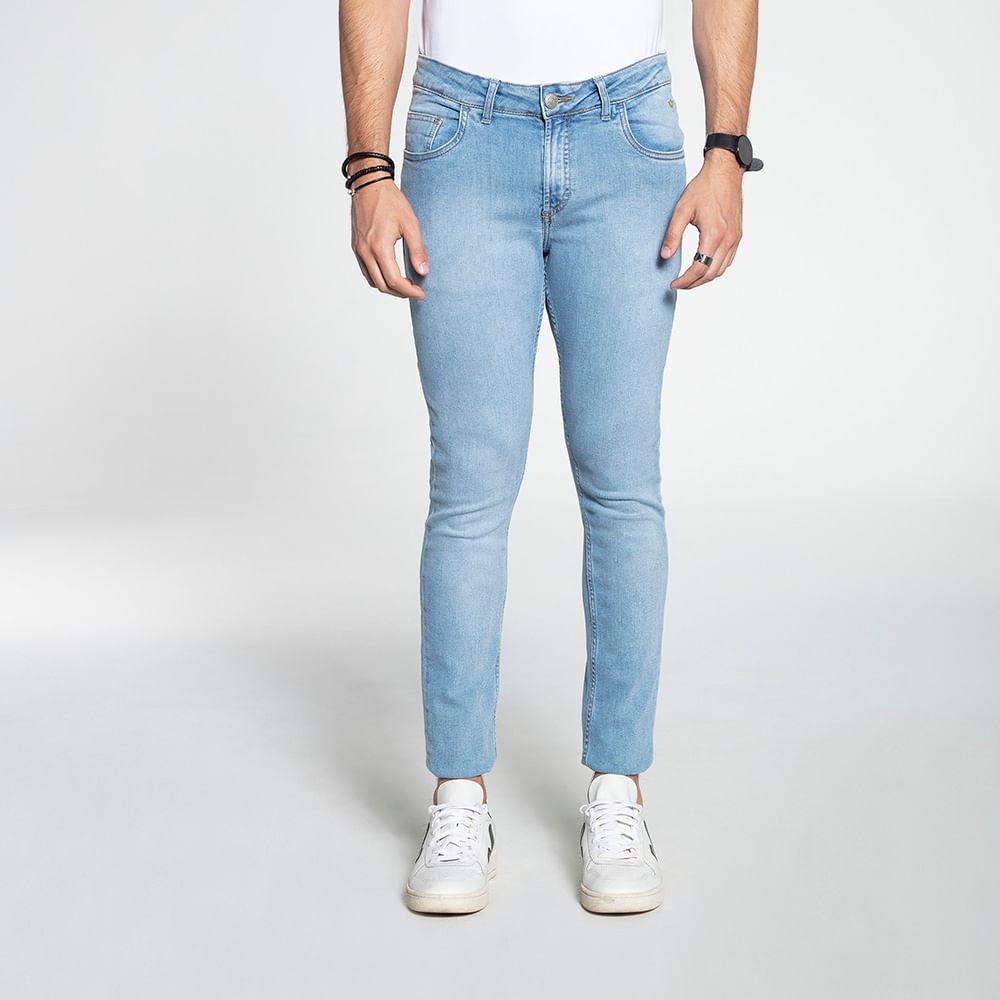 Still_Modelo_look10_601810185_jeans_clr_8087
