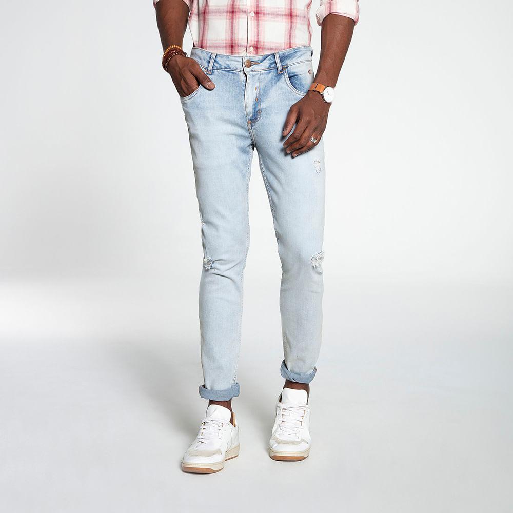 Still_Modelo_look05_601820579_jeans_clar_7688