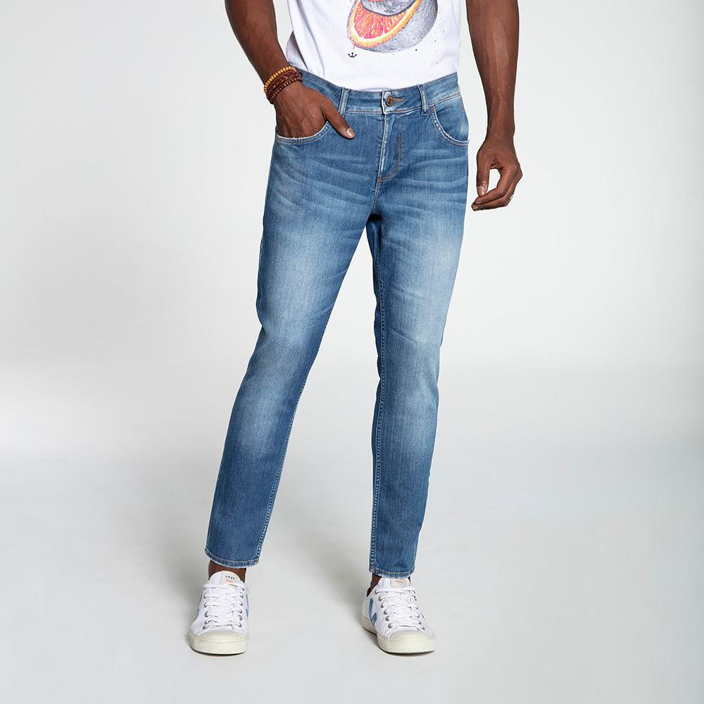 Still_Modelo_look13_601820578_jeans_azu_8350
